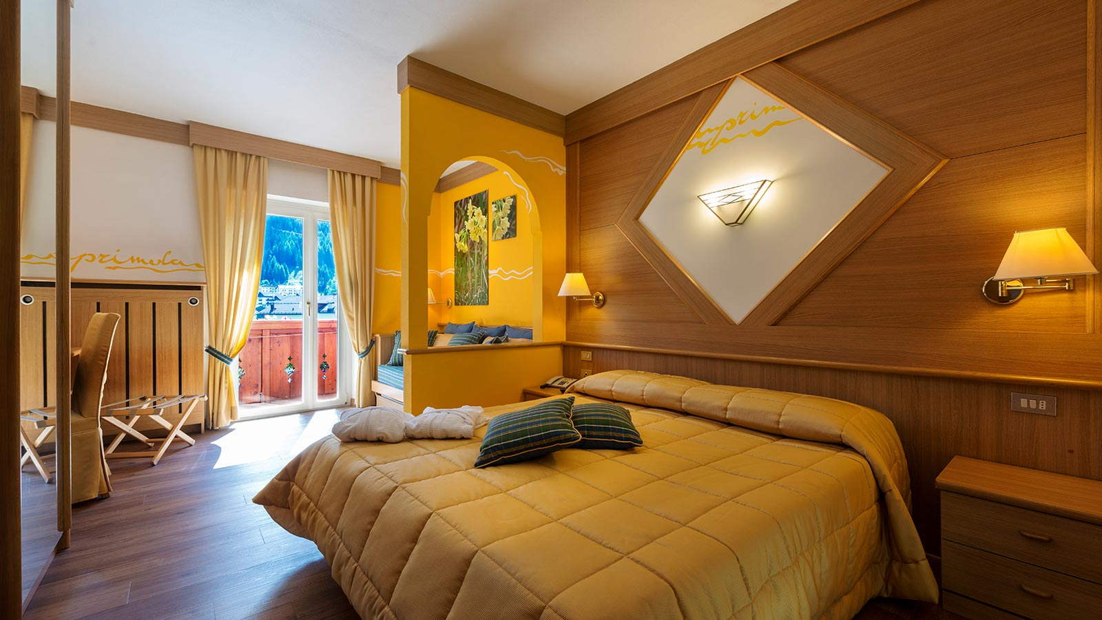 a confortable hotel room, the junior at hotel La Serenella